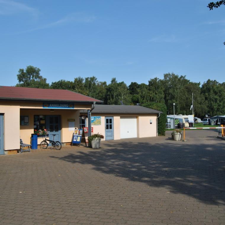 Blick auf die Anmeldung des OstseeCamp Dierhagen